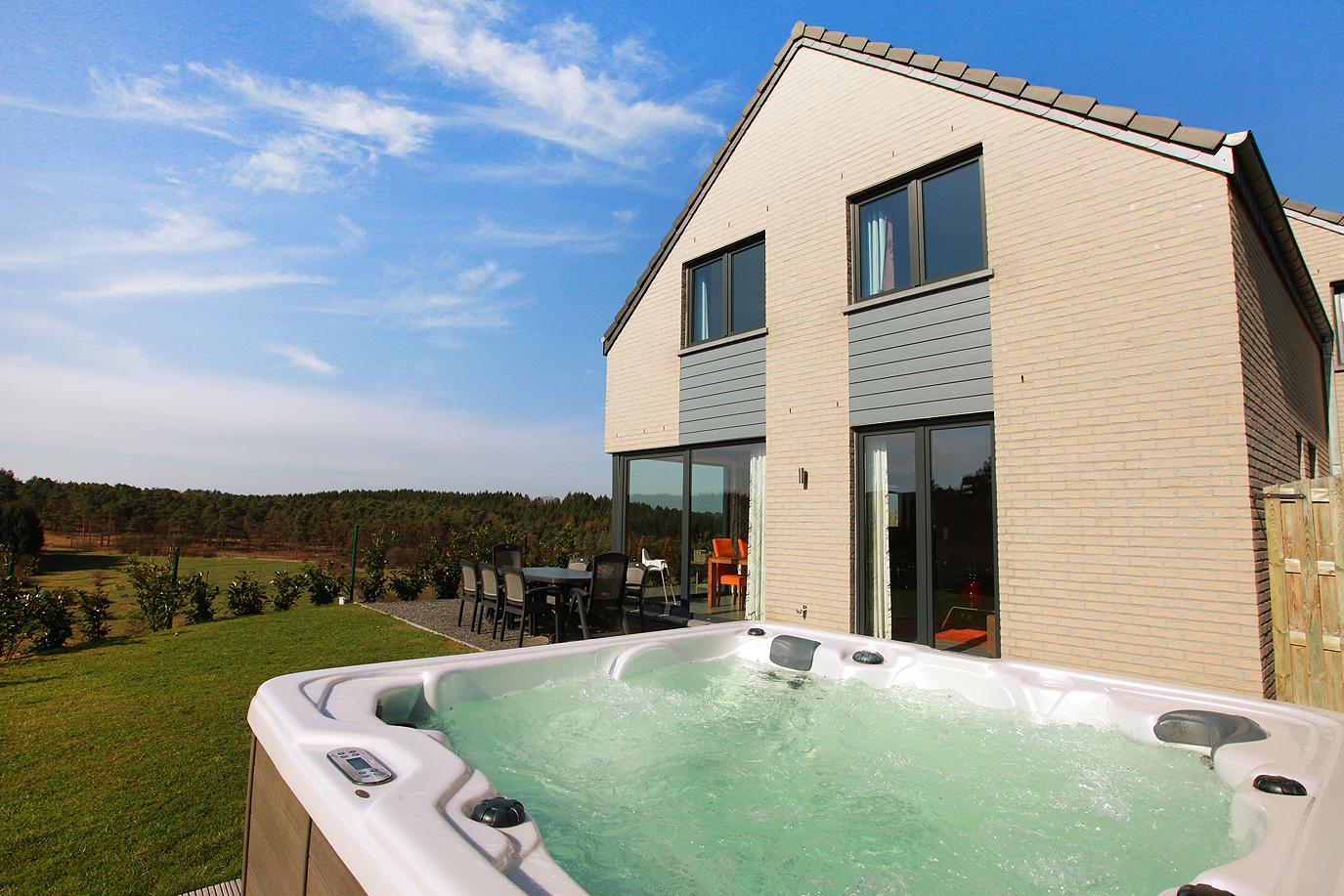 Maison de vacances dans les Ardennes disposant d'un jacuzzi