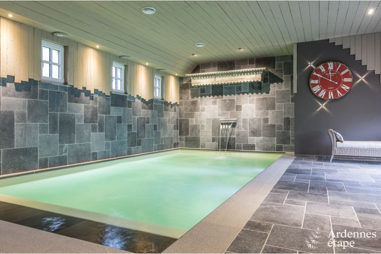 Maison de charme à Bièvre avec piscine intérieure et espace de détente