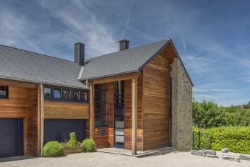 Luxe et confort pour 9 personnes dans cette villa de vacances à Bomal