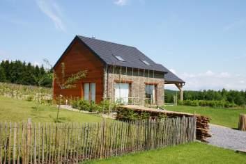 Très confortable maison de vacances avec jolie vue à louer à Bouillon