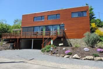 Villa de vacances contemporaine avec sauna et jacuzzi à louer à Coo