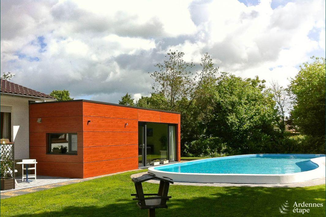 Maison de vacances avec piscine dans le jardin pour 2 4 for Recherche maison avec piscine pour vacances