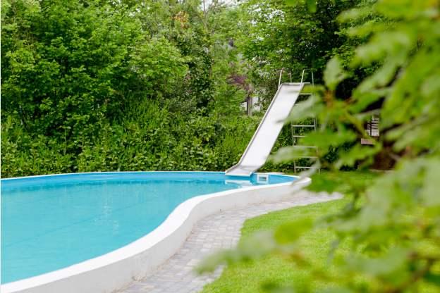 Maison de vacances avec piscine dans le jardin pour 2 4 for Piscine 01