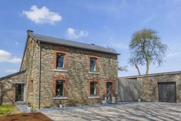 Dans la région de Gouvy, magnifique maison de vacances 4 étoiles pour 9 personnes.