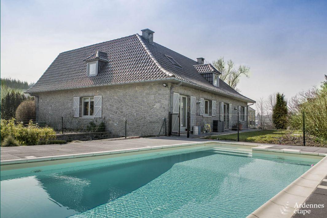 Villa de luxe avec piscine dans le jardin pour 9 pers for Villas de jardin port glaud