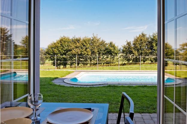 Jolie maison de vacances 12 personnes avec piscine for Camping ardennes belges avec piscine