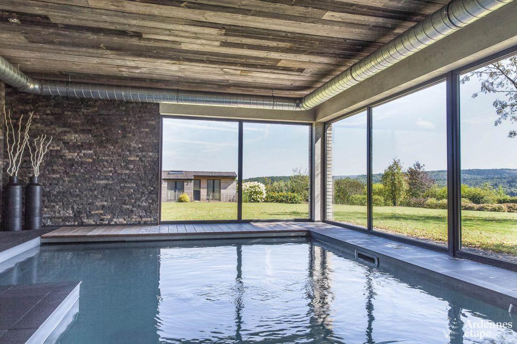 Villa avec piscine int rieure et confort haut de gamme for Piscine haut de gamme