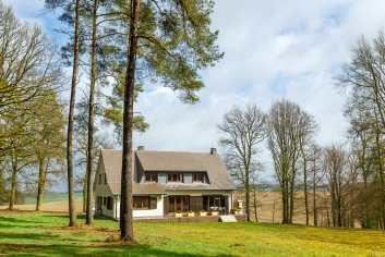 Villa de luxe 4 étoiles pour 9 personnes à louer près de La Roche
