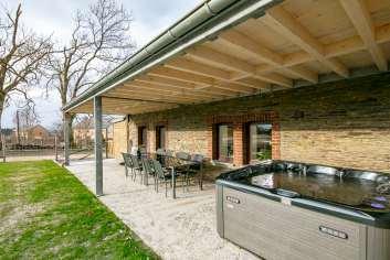 Maison de vacances proche de La Roche pour 6/8 personnes avec jacuzzi.