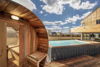 Maison de vacances pour 8 personnes à La Roche, avec sauna, jacuzzi et piscine extérieure.