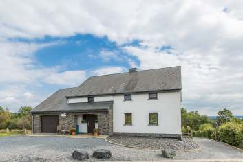 Jolie maison de vacances au calme avec équipement 4.5 étoiles à La Roche