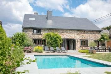Villa de charme avec piscine extérieure et sauna à Libin.