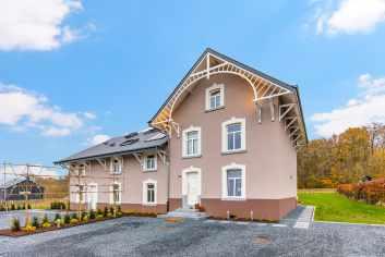 Maison de vacances confortable, soignée et très chaleureuse à Libramont
