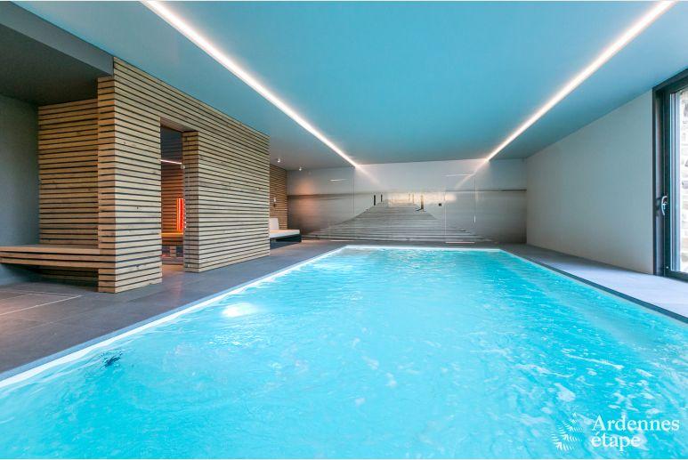maison de vacances pour 4 6 personnes avec piscine int rieure ohey. Black Bedroom Furniture Sets. Home Design Ideas