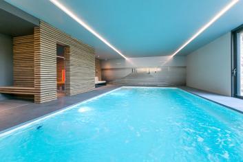 Maison de vacances pour 4/6 personnes avec piscine intérieure à Ohey