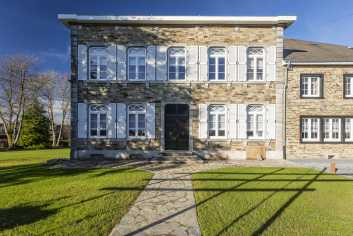 Villa de Luxe à Paliseul pour 8 personnes en Ardenne