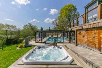 Maison de vacances de charme avec piscine et espace détente à Redu