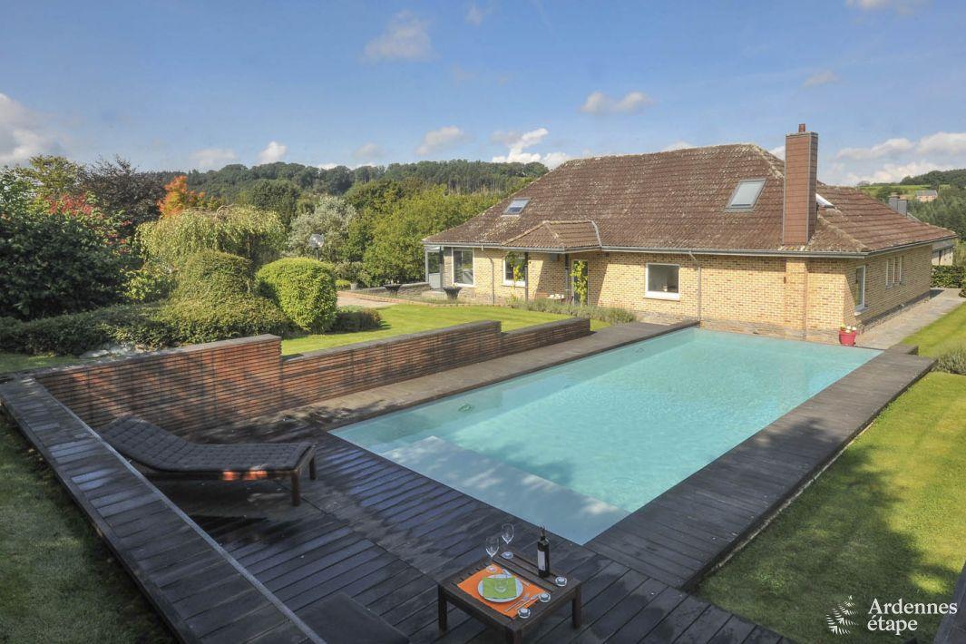 Villa 4 toiles avec quipement de luxe sur les hauteurs for Camping ardennes belges avec piscine