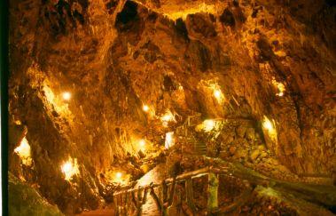 Grotte la Merveilleuse-Grottes à Province de Namur
